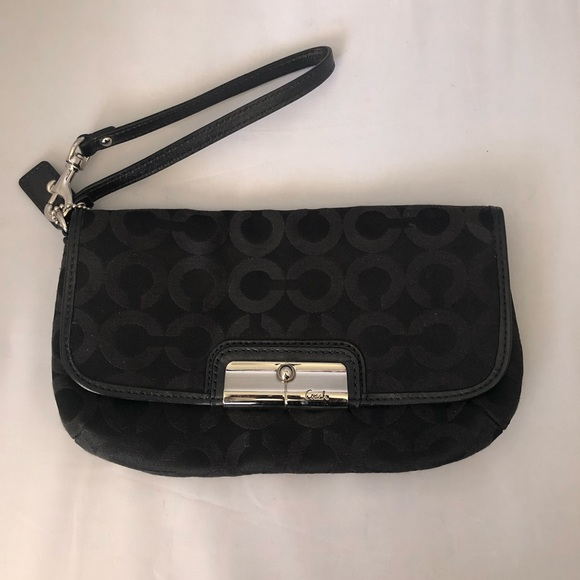 Coach Handbags - Coach signature wristlet